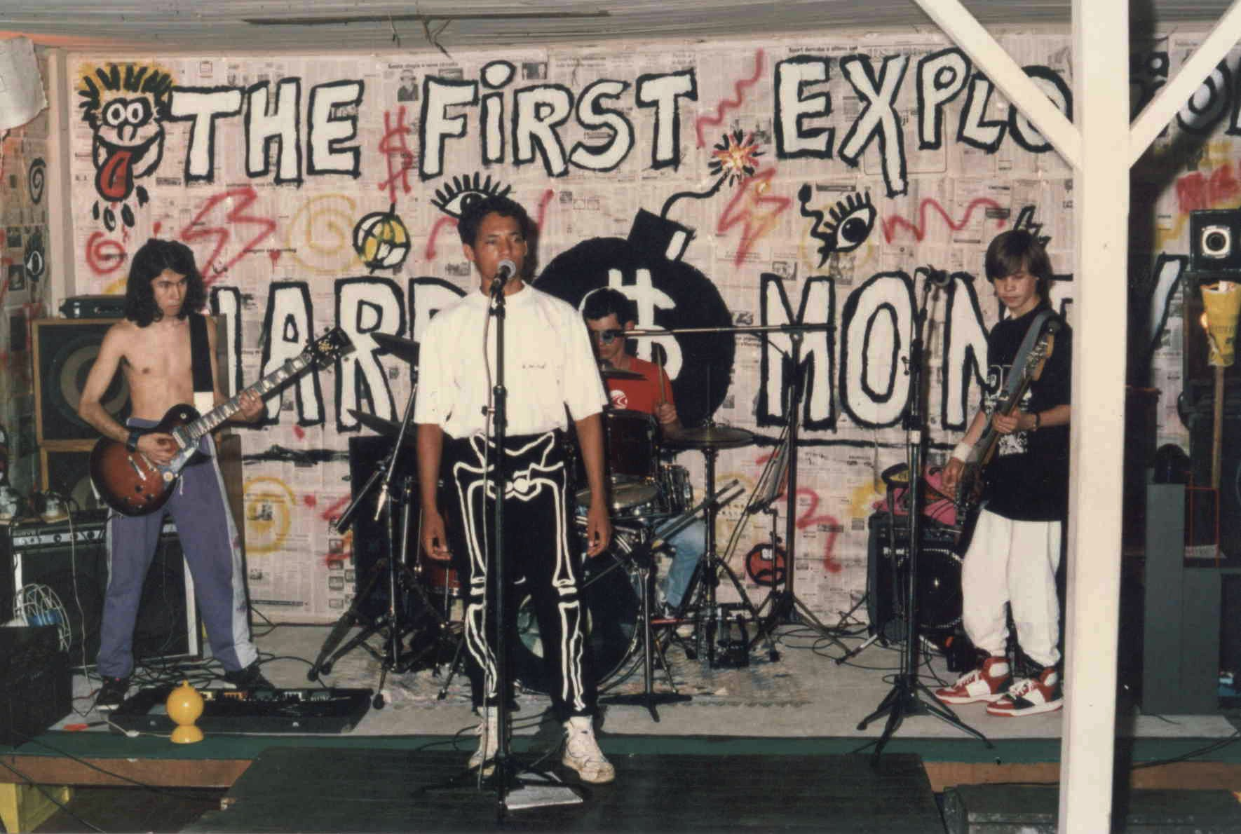 Foto revela o primeiro show da banda