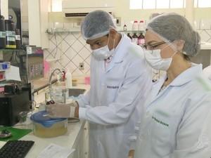 'Quero Trabalhar!': Conheça a rotina e as aptidões de um farmacêutico (Foto: Reprodução/Rede Amazônica Acre)