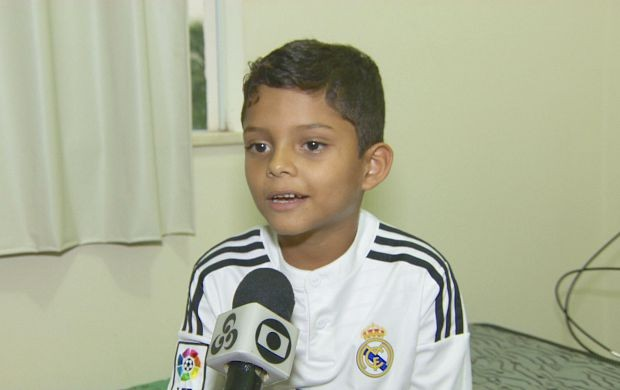 Tarso de 7 anos está sendo monitorado pelo time espanhol Real Madrid (Foto: Globo Esporte)