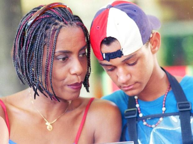 Dill Costa era Candelária, mãe do ator na ficção (Foto: CEDOC / TV Globo)