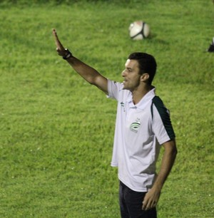 Treinador Júnior Rocha do Luverdense (Foto: Olimpio Vasconcelos)