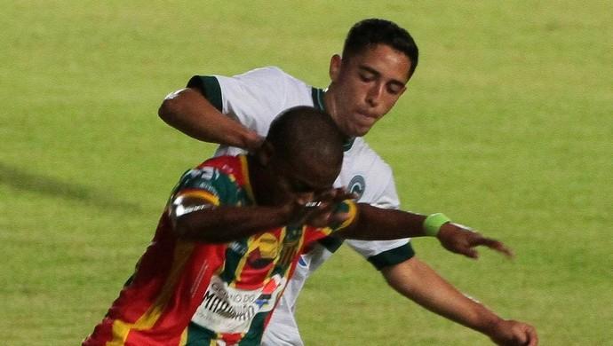 Sampaio e Goiás ficam no empate (Foto: Biaman Prado / O Estado)
