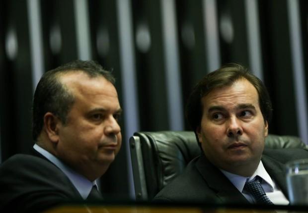 O relator da reforma trabalhista, Rogério Marinho (PSDB-RN), e o presidente da Câmara Rodrigo Maia (DEM-RJ) (Foto: Marcelo Camargo/Agência Brasil)