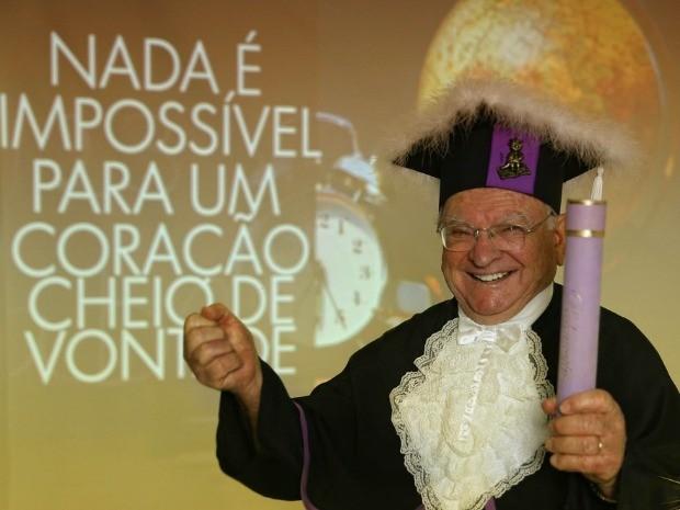 Aos 89 anos, Celestino Costella irá se formar em pedagogia em agosto (Foto: Optimus Produções/Divulgação)
