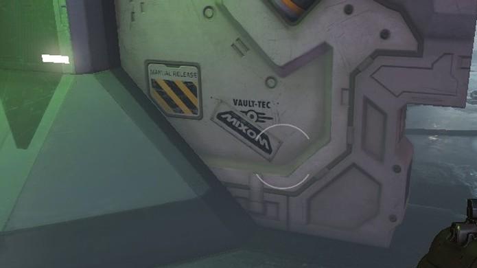 Vault-Tec parece estar ampliando seus negócios do mundo de Fallout 4 para o novo Doom (Foto: Reprodução/Kotaku)
