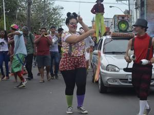 4ª Palhaceata reuniu artistas de vários segmentos culturais (Foto: Dyepeson Martins/G1)