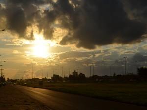 Previsão é de tempo encoberto e pancadas de chuva no período vespertino em todo Cone Sul de Rondônia neste sábado, 23 (Foto: Dennis Weber/G1 )