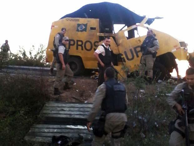 Bandidos fugiram após levarem dinheiro de veículo (Foto: Divulgação / Polícia Civil)
