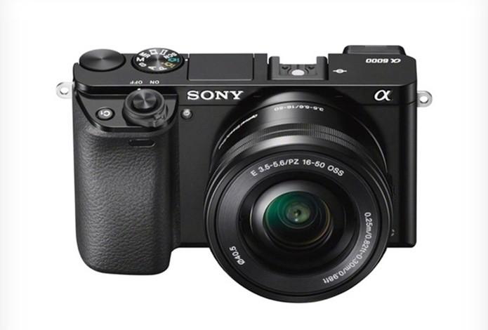 Sony Alpha A6000 promete ter sistema de autofoco mais rápido do mundo (Foto: Divulgação/Sony)