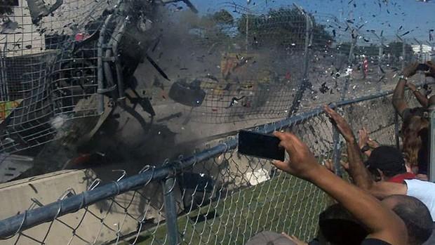 Acidente Fórmula Indy Houston (Foto: Reprodução/Twitter)