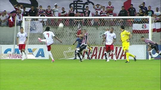 Santa Cruz e Boa Esporte empatam na Arena de PE e seguem longe do G-4