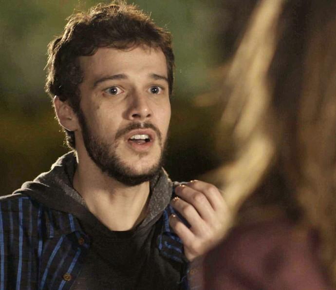 'Fui burro demais, demorei pra te contar quem eu era', lamenta Giovanni (Foto: TV Globo)