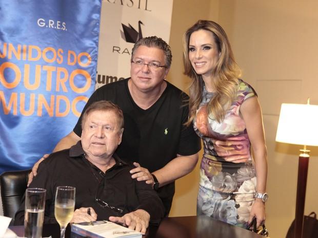 Boni, Boninho e Ana Furtado (Foto: Isac Luz / EGO)