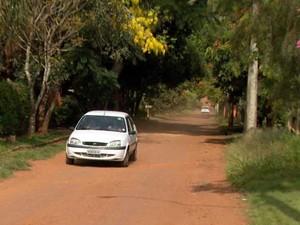 Moradores reivindicam infraestrutura em bairro de Indaiatuba (Foto: Reprodução EPTV)