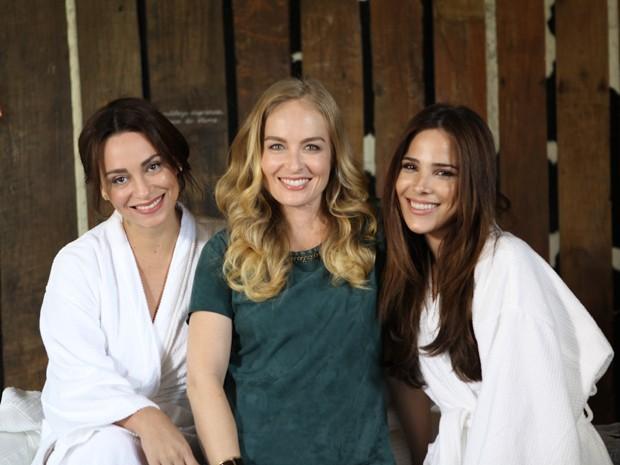 Suzana Pires, Angélica e Wanessa posam lindas  (Foto: TV Globo/Estrelas)