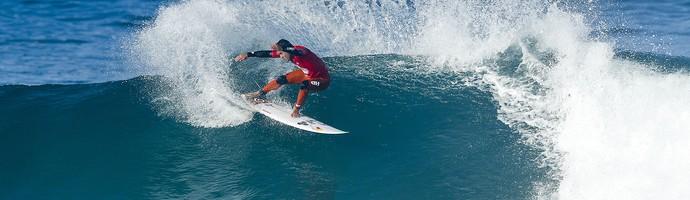 Adriano de Souza Mineirinho surfe Saquarema (Foto: WSL / Poullenot SOCIAL)