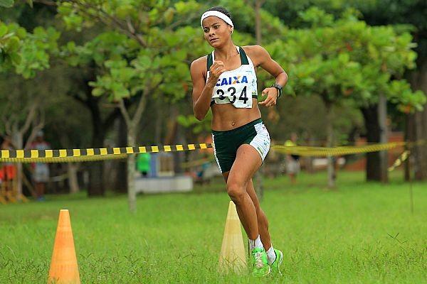 Tatiele Carvalho Brasil atletismo cross country Mundial Polônia (Foto: Wagner Carmo/CBAt)