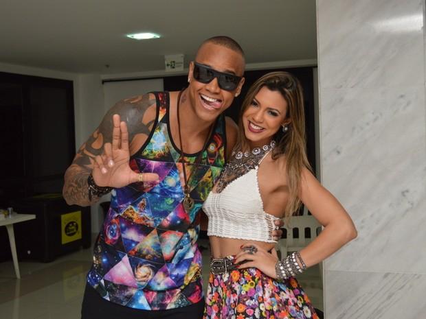 Léo Santana e Vina Calmon em show em Salvador, na Bahia (Foto: Felipe Souto Maior/ Ag. News)