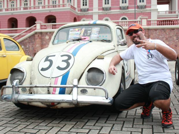 O presidente e fundador do Clube, Humberto Horta, estava vestido de Herbie (Foto: Mônica Dias/G1 AM)