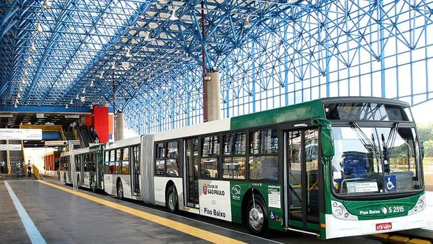 Prefeitura de SP determina que ar-condicionado em ônibus seja obrigatório