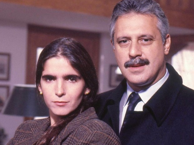 Márcia (Malu Mader) e Felipe (Antônio Fagundes)