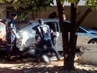 Mulher morre após carro invadir casa  (Reprodução / TV TEM)