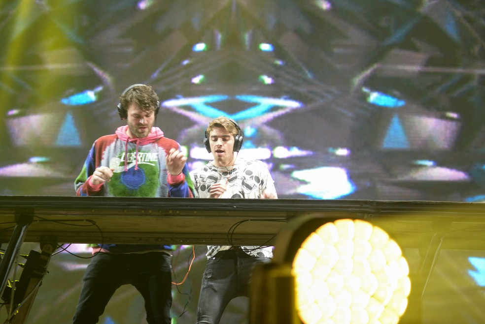 O duo The Chainsmokers no Lollapalooza 2017 (Foto: Guilherme Tosetto/G1)