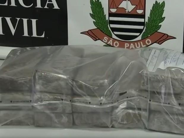 Drogas foram apreendidas em Jundiaí, Várzea Paulista e Campo Limpo Paulista (Foto: Reprodução/TV TEM)