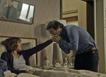 Letícia dá carta branca para Tiago ficar com Marina
