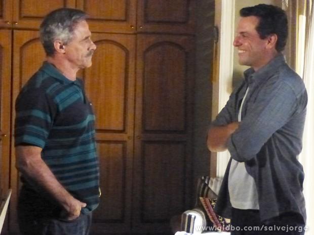 Nunes comunica que Théo terá outra prova na Turquia (Foto: Salve Jorge/TV Globo)