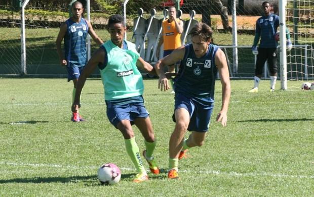 Felipe Amorim, meia-atacante do Goiás (Foto: Rosiron Rodrigues/Goiás E.C.)