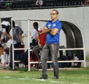 Técnico Luciano Veloso, Belo Jardim (Foto: Vital Florêncio / GloboEsporte.com)
