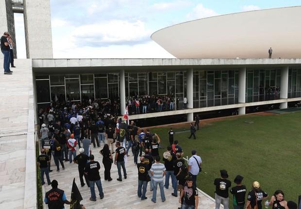 Policiais protestam contra a PEC da Previdência (Foto: Fabio Rodrigues Pozzebom/Agência Brasil)
