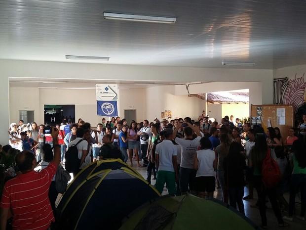 Estudantes participam do movimento em Januária (Foto: Islaine Sobrinho Mendes/Divulgação)
