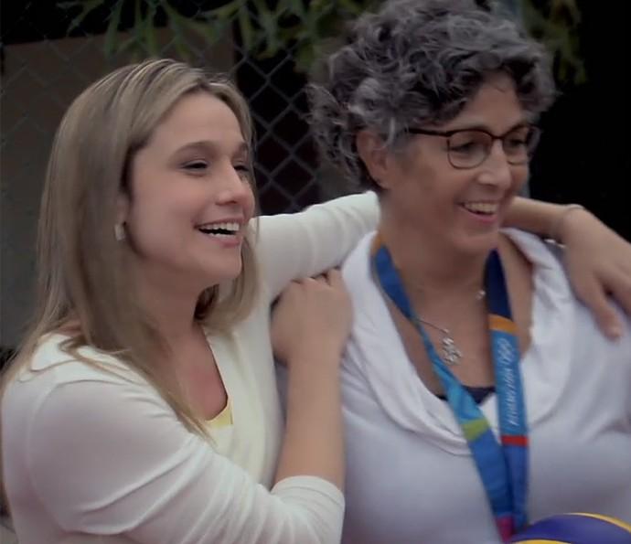 Fernanda Gentil faz surpresa para a professora Lenice Peluso (Foto: TV Globo)