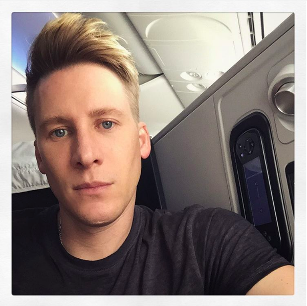 O cineasta Dustin Lance Black (Foto: Instagram)