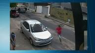 Câmera registra assassinato a homem no meio da rua, no Bairro Padre Andrade