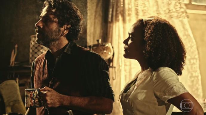 Cícero é cruel ao ouvir declaração de amor de Dalva (Foto: TV Globo)