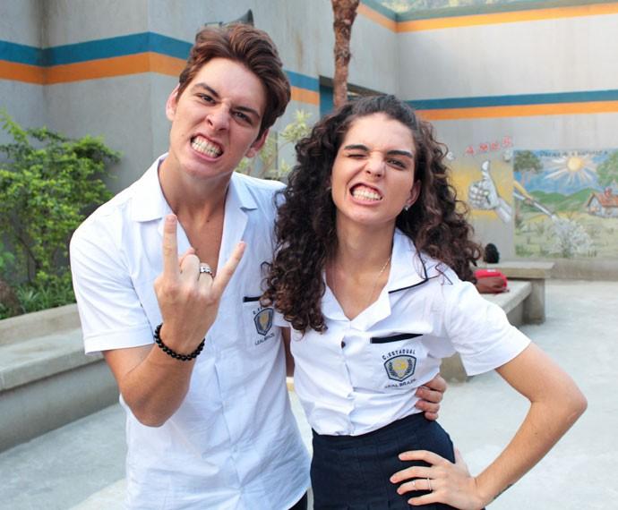 João Vithor Oliveira e Julia Konrad durante gravação da Websérie 'Os Desatinados' (Foto: Bel Bonotto/Gshow)