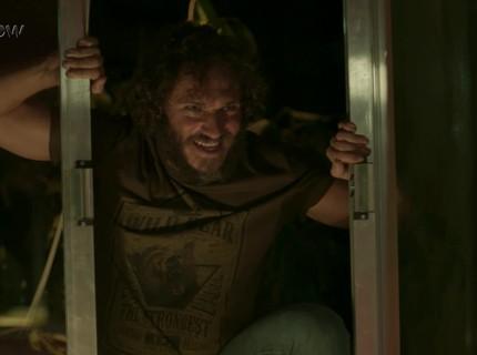 26/5 - Teaser Totalmente Demais: Dino invade a casa de Eliza