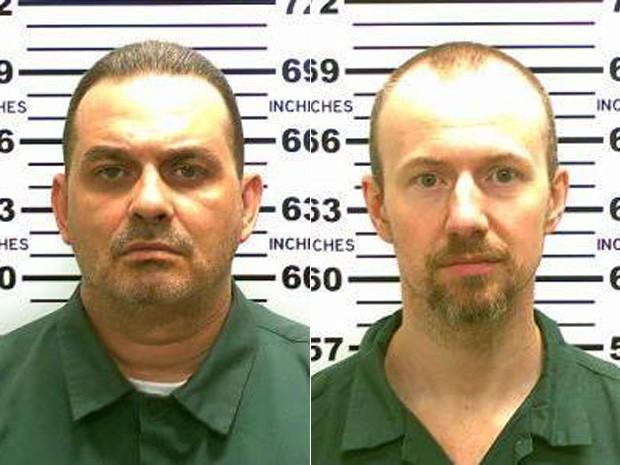 Richard Matt (à esq.), de 48 anos, e David Sweat, de 34, fugiram da prisão Clinton Correctional Facility para homens em Dannemora durante a noite de sexta-feira (5) (Foto: New York State Police via AP)