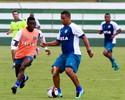 Walter treina normalmente e estará em amistoso contra o Brasília