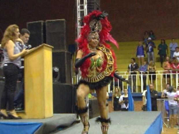 Jéssica Mendonça Clemente, de 17 anos, foi a escolhida entre nove participantes (Foto: Reprodução TV Plan)