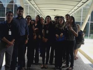 Funcionários também fizeram protesto na Assembleia Legislativa  (Foto: Catarina Costa/G1)