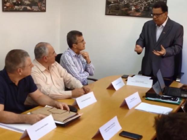 Reunião de transição foi realizada na Prefeitura de Pouso Alegre (MG) (Foto: Reprodução EPTV)