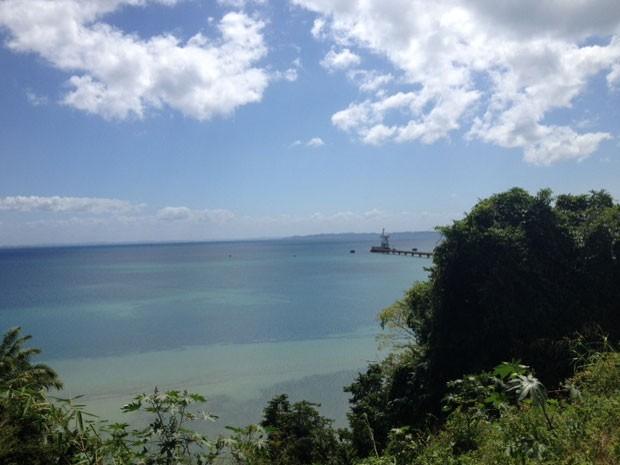 Praia de região conhecida como Base Naval, no subúrbio de Salvador (Foto: Henrique Mendes / G1)