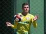 Palmeiras confirma lesão, e Fabiano deve ficar parado por seis semanas