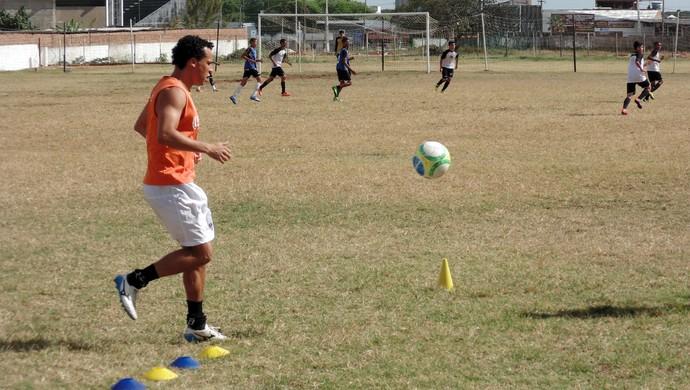 Gilmar, atacante do ABC (Foto: Jocaff Souza/GloboEsporte.com)