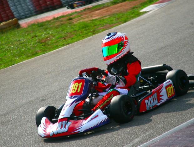 Eduardo Barrichello, filho de Rubinho, faz sua estreia no kart (Foto: Bruno Terena/ divulgação)