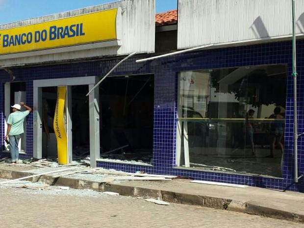 Banco (Foto: Luís Claudio / Arquivo Pessoal )